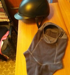 Шлем + подшлемник.