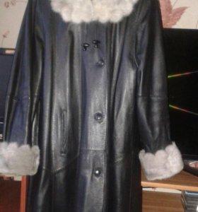 Кожаное пальто натуральное.С тёплой подстёжкой.