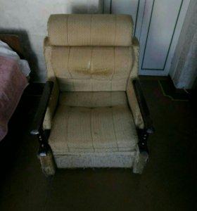 Кресло и стол тумба