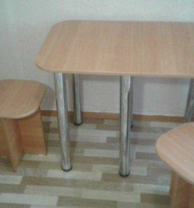 Стол с 2-мя табуретками