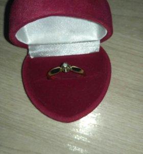 Кольцо с бриллиантом 💍3гр золота