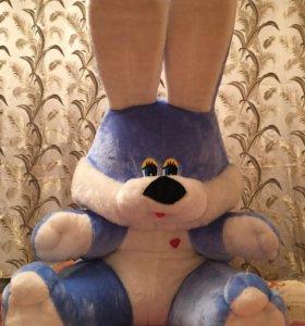 Большая мягкая игрушка заяц.
