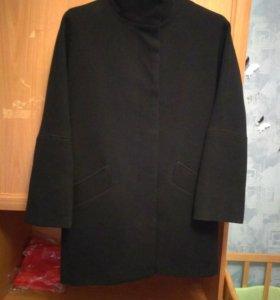 Женское пальто в хорошем состоянии.  48размер