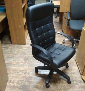 Кресло руководителя компьютерное Стиль, новое