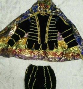 Новогодний костюм короля