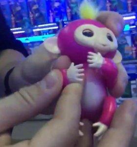 Новая игрушка обезьянка
