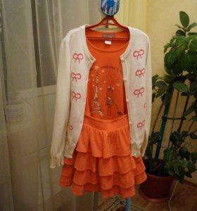 Комплект для девочки: джемпер, футболка и юбка