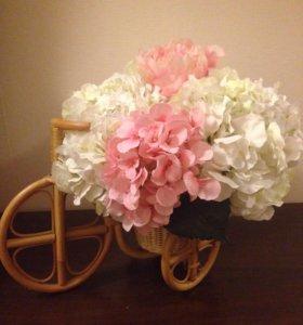 Подарочный пелетёное велосипед (кашпо) с цветами