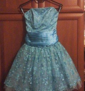 Платье коктейльное.