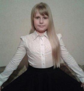 Блузка школьная, белая.