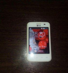 Смартфон LG Optimus L3 Dual E435