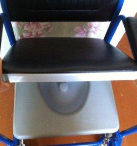 санитарный стул для инвалида