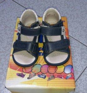Ортопедические сандали Totto