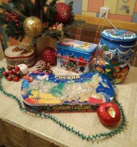 Коробки подарочные новогодние