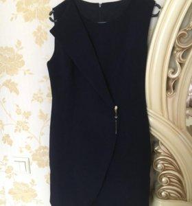 Классическое новое платье р.44-46