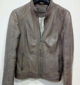 Куртка кожанная 46 размер