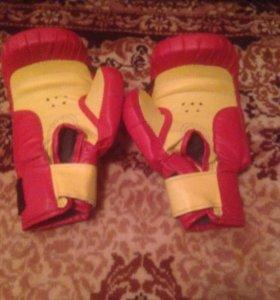 Боксёр перчатки