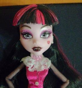 Кукла Дракулаура Монстр Хай Monster High