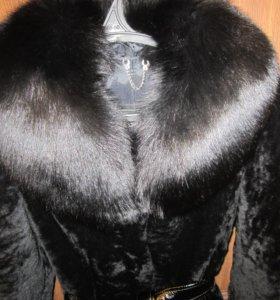 Мутоновая шуба (отделка норка, воротник песец)