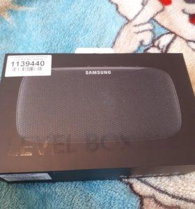 Продам Портативную колонку Samsung level box slim.