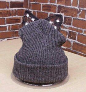 Новая тёплая шапка с ушками.