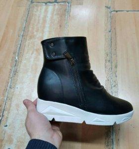 Зимние ботинки 40 размера маломерят