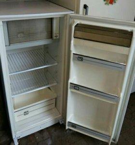 Холодильник б/у Саратов (1.1)
