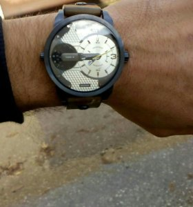 Часы дизель dz7338