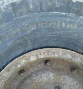 Колесо тракторной телеги
