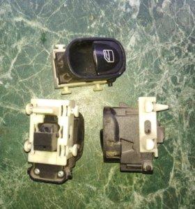 Кнопка управления стеклоподъёмником Mercedes W203