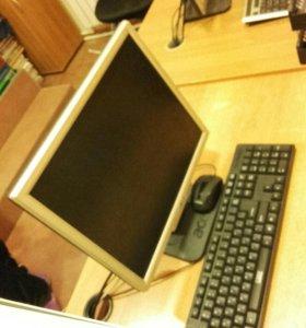 Монитор, клавиатура и мышь