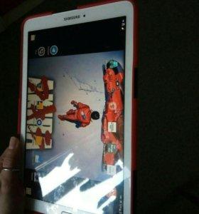 Планшет Samsung Galaxy TABE9.6