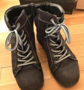 Зимние ботинки Dickson