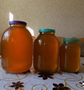 Мед с домашней пасеки.