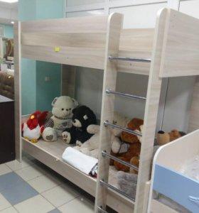 Кровать детская двухъярусная новая.