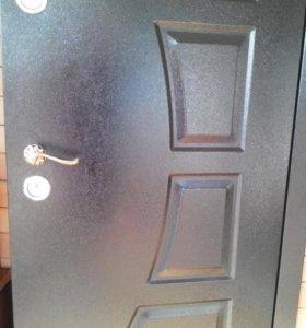 Дверь входная металл/ дерево (0'8*2м)