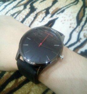 Часы ⌚
