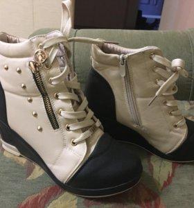 Новые тёплые ботинки