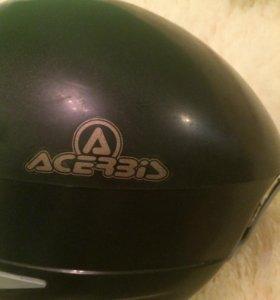 Горнолыжный шлем с очками