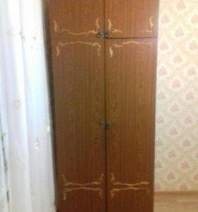 Два Шкафа -плательный и бельевой.