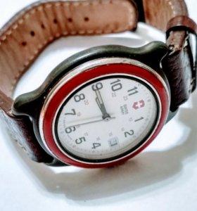 Офицерские часы Swiss Army Military 330 watch