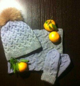 Вязаная шапка + шарф-хомут + варежки