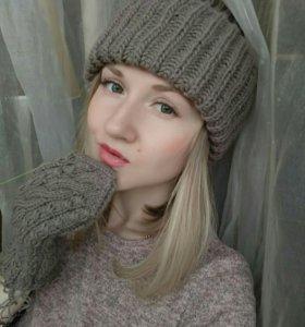 Вязанная шапочка+ варежки