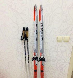 Продам лыжи в хорошем состояние длина 140 см.