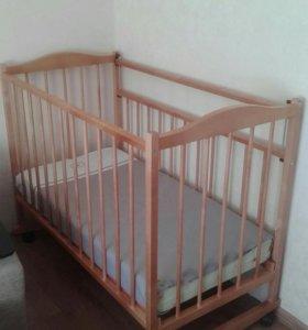 Кровать, матрас.