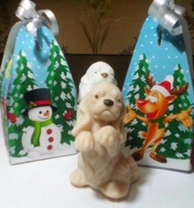 Мыло ручной работы Собачка в новогодней коробочке.