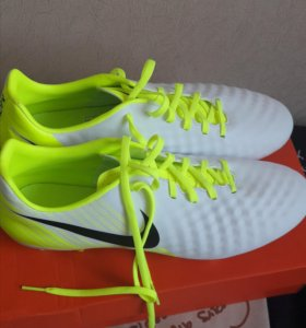 Бутсы Nike 43 размер НОВЫЕ!!!