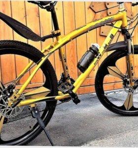 Велосипед Золотой На литых дисках