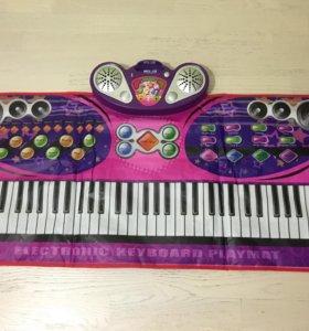 Музыкальное пианино, коврик