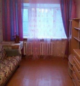 Квартира, 5 и более комнат, 18 м²